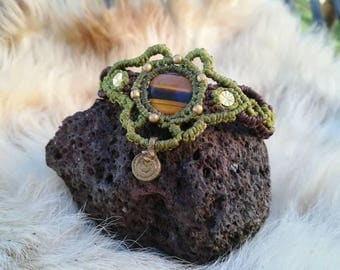 Forest elf green macrame bracelet with Tiger Eye gemstone. Handmade macrame jewerly by Bella Marietta.