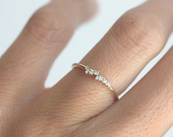 Tiny Diamond Cluster Ring, Delicate Diamond Ring, Delicate Cluster Ring, Diamond Ring, Diamond Band, Delicate Wedding Band, Thin Gold Ring