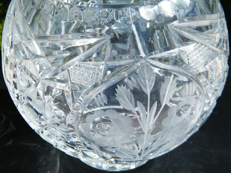 Violetta lead crystal rose bowl vase vintage poland large hand violetta lead crystal rose bowl vase vintage poland large hand cut crystal intricate patterns reviewsmspy