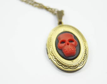 Necklace Medaillon Skull black red Hallowen Goth