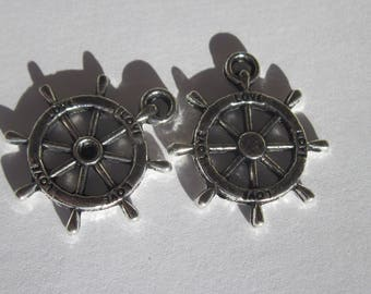 2 charms of 2.3 cm metal ship wheel (6213)