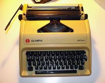 Vintage Typewriter. Working Typewriter. Beige Typewriter. Manual Typewriter. Olympia Carina. Made in Japan  1980s.