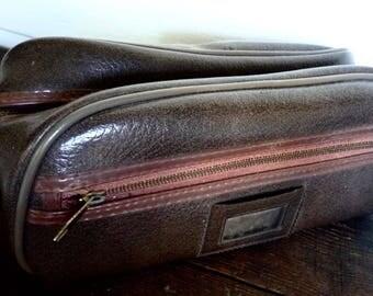 1970s gents toiletry shaving accessory bag ~ vinyl shaving bag 1970s