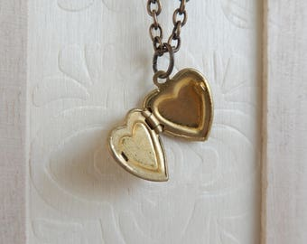 Vintage heart locket necklace,Photo Locket necklace, Locket jewelry,Unique gift for her,Stocking stuffer