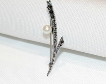 Vintage Sterling Silver Marcasite and Pearl Brooch