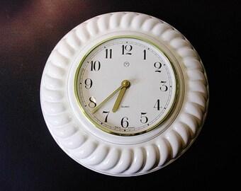 Weimar - Uhren,  VEB - East German ceramic kitchen wall clock