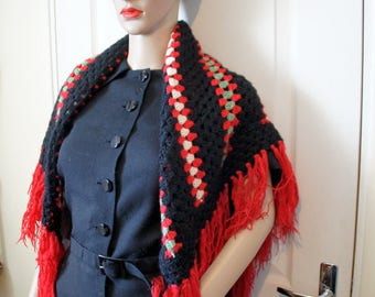 Black shawl red, green white vintage. Style vintage 194