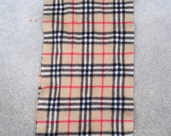 """Vintage Women's Burberrys of London Cashmere Scarf Nova Check Fringe 10.5"""" inches wide by 43"""" inches long"""