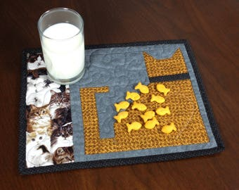 Quilted Snack Mat, Cat Theme Mug Rug, Mini Placemat, Luncheon Mat, Handmade Beverage Mat, Mini Quilt, Quilted Mugrug, Gift for Cat Lover