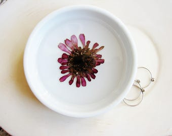 Purple Ring Dish, Flower Jewelry Dish, Pressed Flowers Jewelry Ring Dish, Bridesmaid Gifts, Botanical Ring Dish, Real Flowers Dish