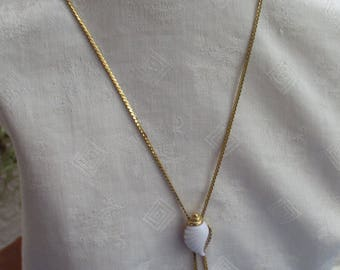 Vintage Avon White Seashell Bolo Style Necklace