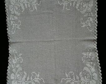 Square Lace 50x50 cm.