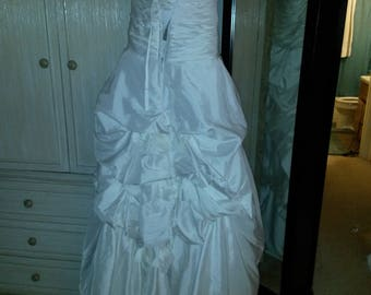 Wedding dress, size small, preowned