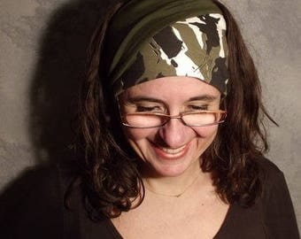 The reversible headband in camouflage...