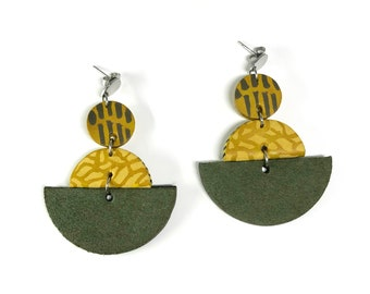 Green and yellow semicircles hand-painted leather earrings / Green earrings / Yellow earrings / Statement earrings / Leather earrings