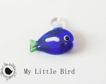 1 x 22mm blue fish keychain