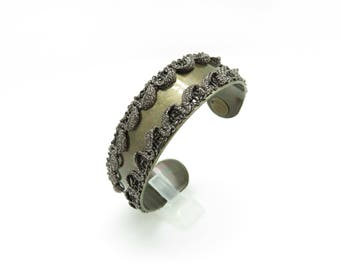 Cuff Bracelet with black lace and gold