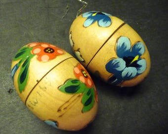 2 Wooden Eggs Ornaments, hand painted flowers and open in center-