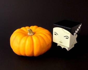 """Figurine cubique en bois décorative La fiancée de Frankenstein"""""""