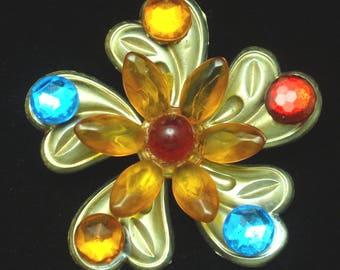 Vintage Plastic Flower Pin