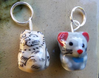 STITCH MARKERS Porcelain CAT and Mouse, animals, 2, Mollycoddle Yarns Indie wool dyer