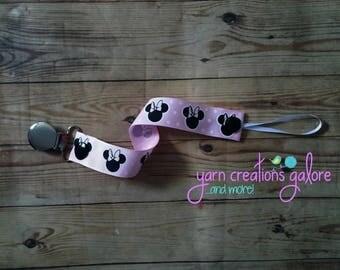 Pacifier Holder-Light Pink Minnie Heads