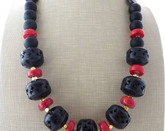Red coral and black onyx necklace, wooden necklace, chunky necklace, ethnic necklace, exotic necklace, contemporary jewelry, italian jewelry