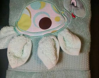 3 dimensional turtle hand towel and wash cloth