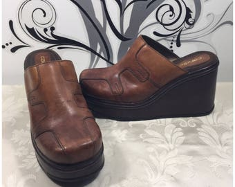 Brown leather shoes, Women's clogs, Slip on shoes, Slide on shoes, Platform shoes, Women's size 10m shoes, Women's leather shoes