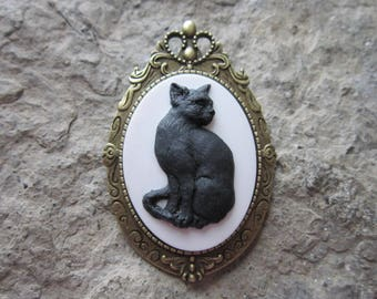 Choose Black or Cream - Cat - 2 in 1 - Kitty Cat Cameo-  Brooch/Pin/Pendant - Great Quality - Cat Lover - Halloween - Witch - Gift
