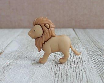 Lion - King - Leader - Jungle - Zoo - Lapel Pin