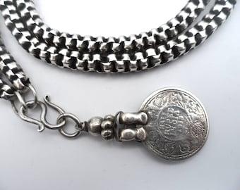 Antieke etnische zilveren jasseron ketting met zilveren munt hanger, half rupee 1918,  India