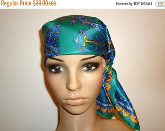 The Sale Is On Sale Must See!! Beautiful Green Multi Paisley Vintage Large Scarf