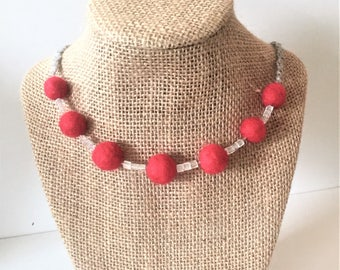 Red felt bead necklace / 18 inches