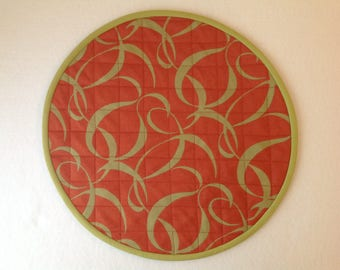 Orange and green placemat in reversible offer
