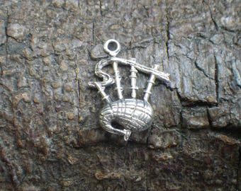 Vintage Sterling Silver Scottish Bagpipes Charm Necklace Pendant