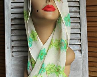 Vintage! Echo. Green scarf. 100% pure silk. Sheer. Flowers. 1960s. Long scarf. Beautiful scarf!