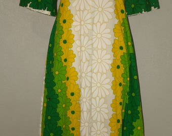 Vintage 60's Hawaiian Long Dress by Ui-MaiKai Size 10 Big Bold Bright Yellow, Lime & Dark Green, White Flowers Empire Waist Short Sleeve
