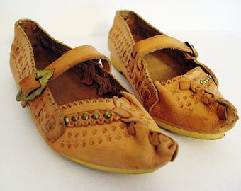 Women's Slippers, Leather Moccasins,Folk,  Ethnic.