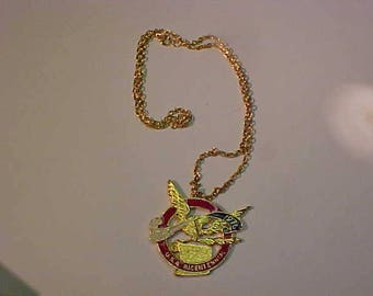 Bicentennial Celebration Mewmorabilia Pendant Necklace  1776 1976 Gold Tone w/Box