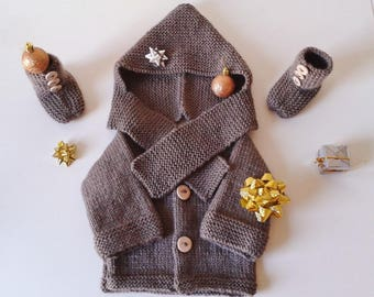 Cardigan hat and 1 to 12 month baby booties hand-knitted in Brown wool