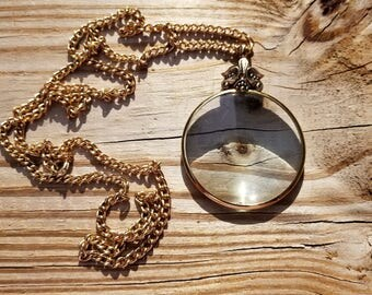 Vintage Avon Magnifying Glass Designed Goldtone Necklace