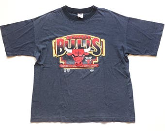 Vintage Chicago Bulls nba Basketball Short Sleeve striped RAVENS T shirt, DEADSTOCK size Xl, single stitch nos