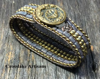 Women's cuff bracelet in bronze and gray