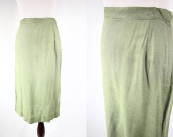 1950's Pistachio Green Embroidered Highwaisted Pencil Skirt