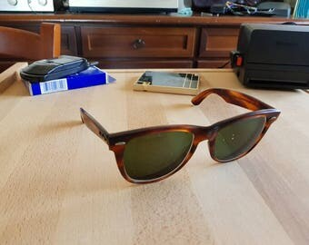 Beautiful vintage Ray Ban Wayfarer II Bausch & Lomb made in usa