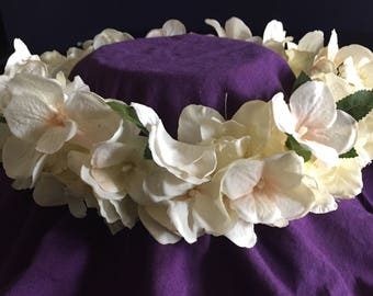 Bridal headpiece flowers