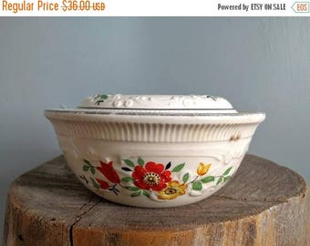 SALE vintage 40's large oven serve floral casserole dish with lid in cream