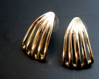 Classic Gold Post  Earrings, Gold Jewelry, Gift For her, Light  Post Earrings for Pierced Ears, Unused Vintage Jewelry