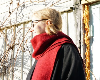 Red woolen scarf handwoven on small tablelooms